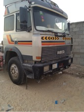 للبيع شاحنة  89