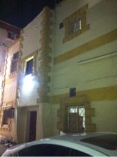 بيت دورين شعبي للبيع حي الجامعه شارع المندي