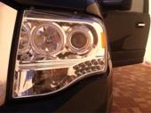 للبيع أنوار أمامية ( عدسات ) لسيارة فورد اكسبديشن للموديلات الحديثة