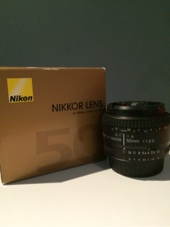 كاميرا نيكون D7100 بخمسه عدسات شبه جديده باكياسها وكل